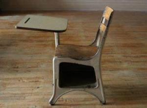 image032wooden classroom desk