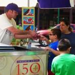 Ice Cream on Plaza 024